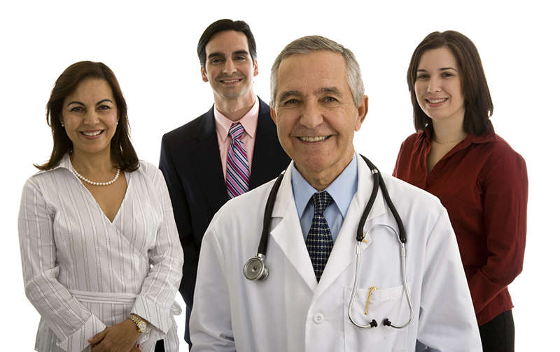 Picture of a group of a doctor and 4 assistants in Costa Rica.