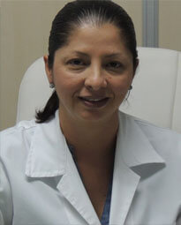 Picture of a Costa Rican doctor.