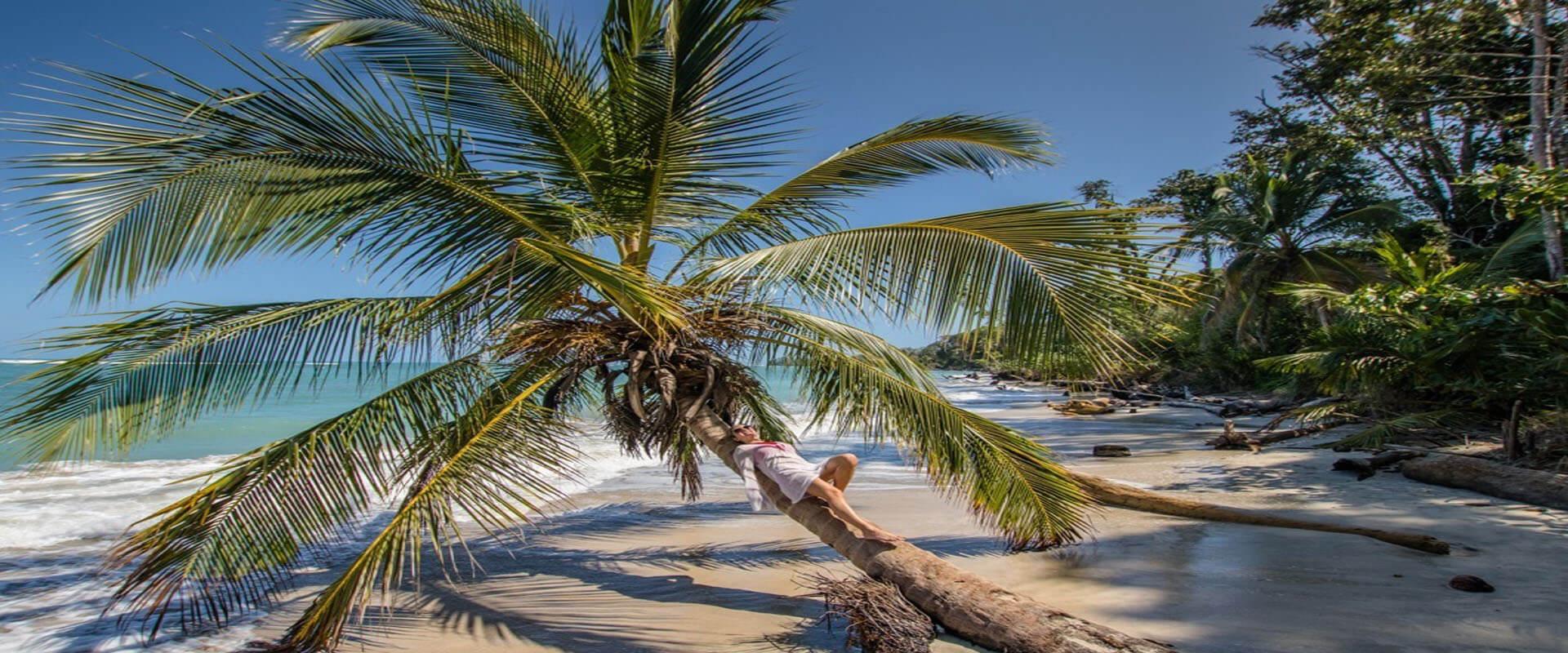 Picture of a beautiful Costa Rica beach.